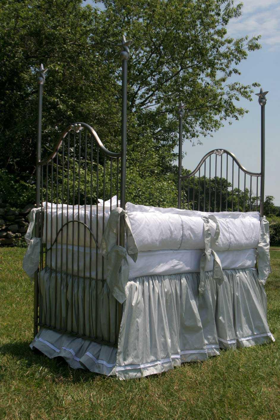 Manhattan Vintage Baby Crib Linens